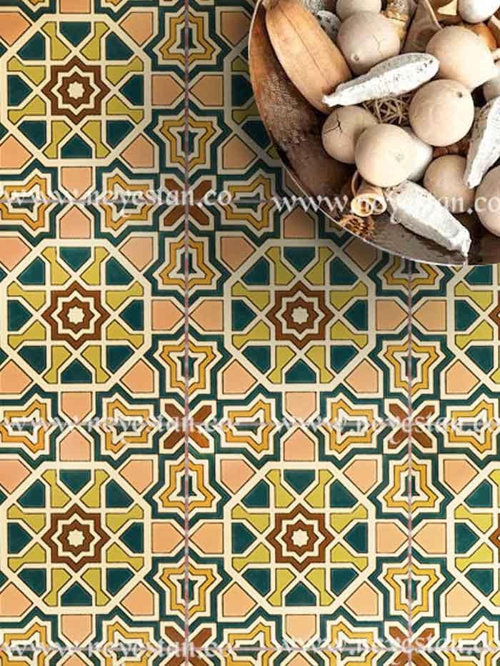 کاشی سنتی با نقوش اسپانیایی-مراکشی